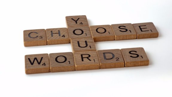 Wortspiel Scrabble mit dem Ergebnis Choose your words