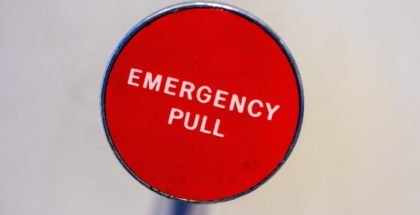 Roter Emergency-Button