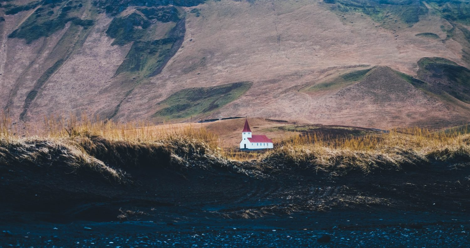 Kirche in der Natur Islands